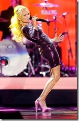 Kristin Chenoweth perform